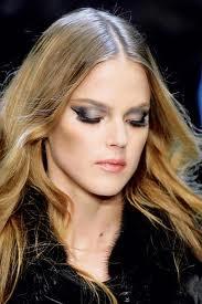 Modny makijaż smoky eyes